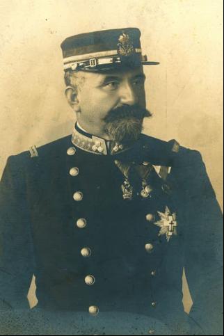 Nicolás Mihanovich en uniforme. Fuente: Archivo General de la Nación